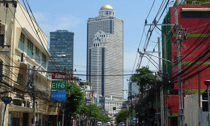 Небоскрёб Стейт-тауэр в Бангкоке