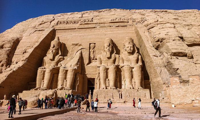 Скала Абу-Симбел (храм Рамзеса)