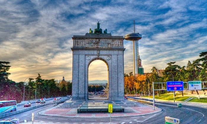 Арка Победы в Мадриде