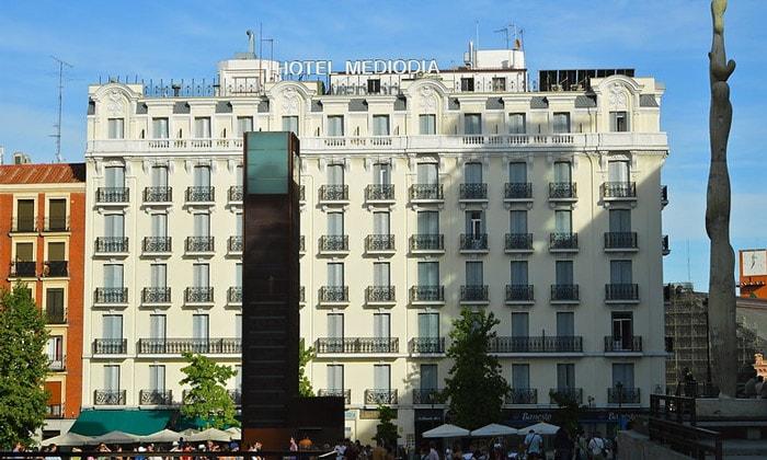 Отель Mediodia в Мадриде