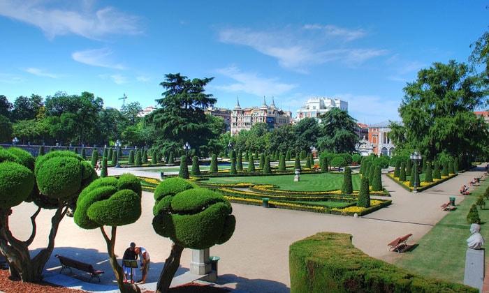 Парк Буэн-Ретиро в Мадриде