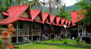Красные бунгало на крыше в Чалок Лам, Ко Панган