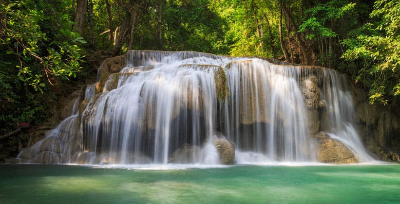 Лесной водопад в Канчанабури