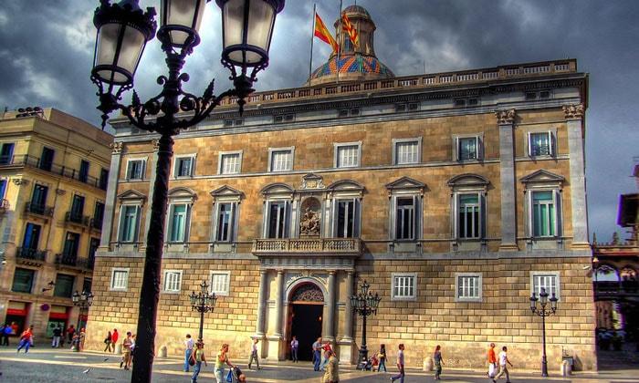 Дворец правительства Каталонии (Женералитат) в Барселоне