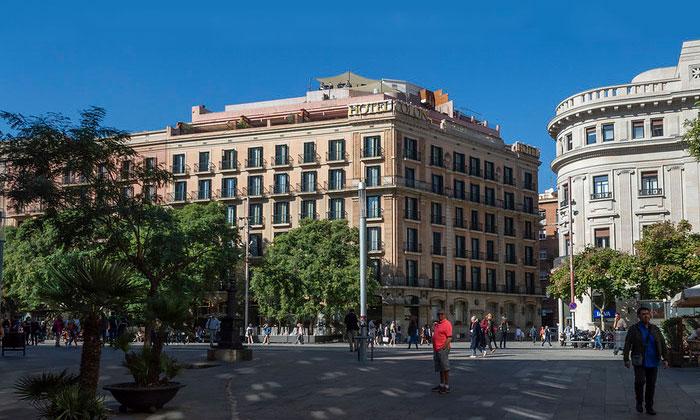 Отель Colon в Барселоне