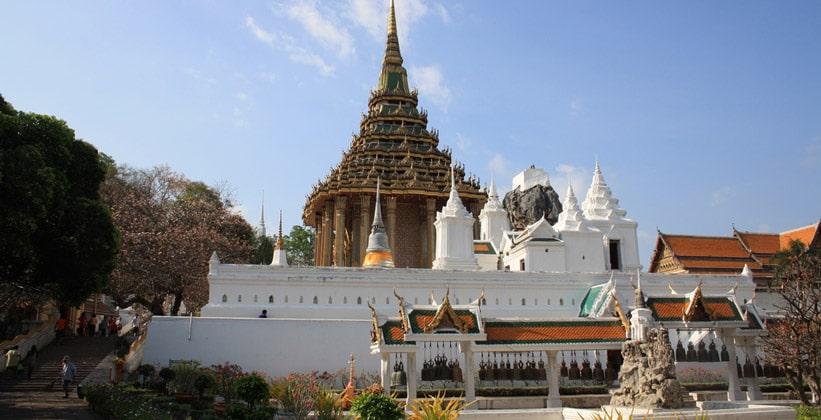 Храм Ват Пхра Пхуттхабат