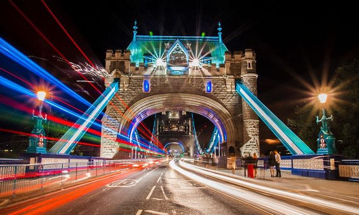 Цвета Тауэрского моста в Лондоне