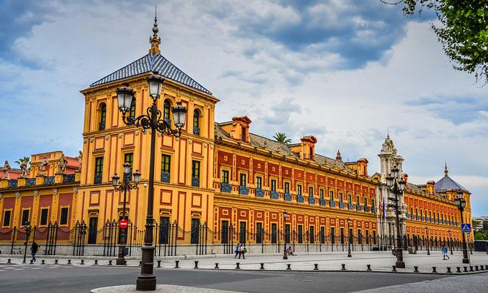 Дворец Сан-Тельмо в Севилье