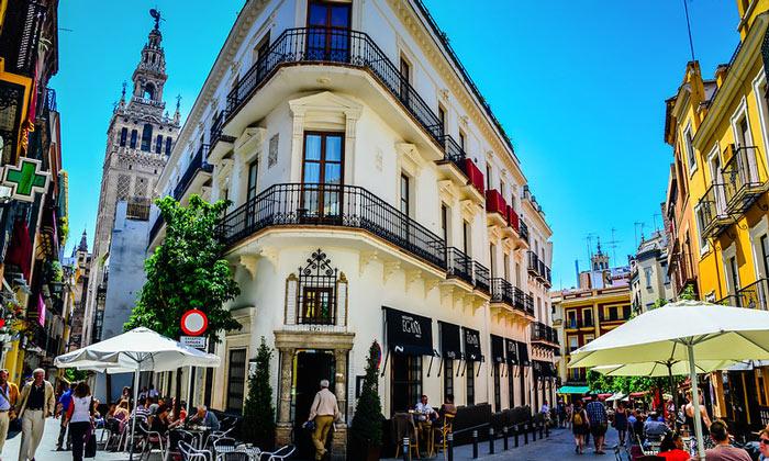 Кафе старого города Севилья