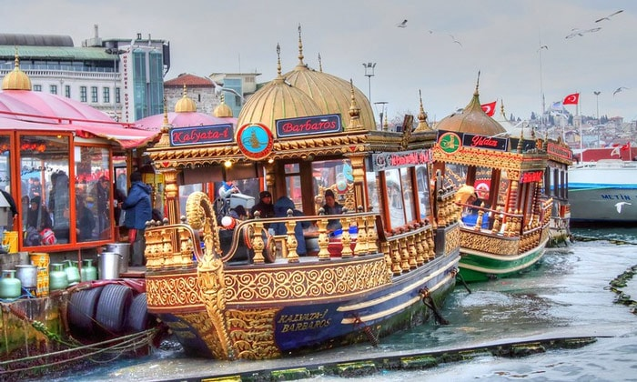 Морские трамвайчики Стамбула