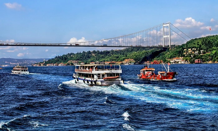 Морские туры по Босфору Стамбула