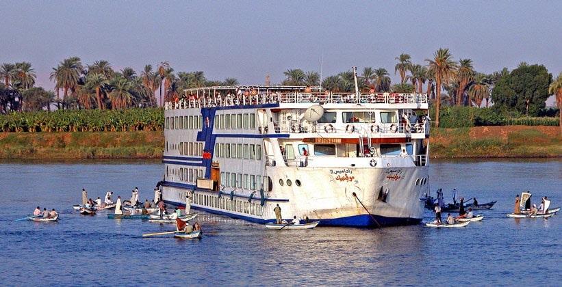 На корабле по Египту