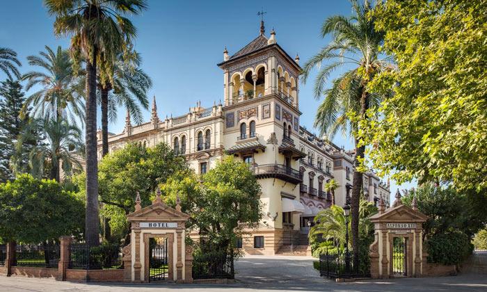 Отель «Alfonso XIII» в Севилье