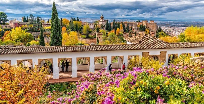 Сады Хенералифе в Гранаде (Испания)