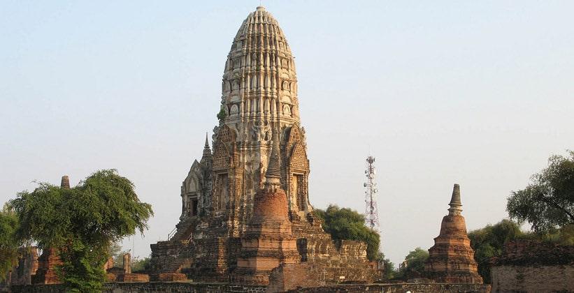 Храм Wat Ratburana