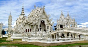 Белый храм Северного Таиланда (Wat Rong Khun)