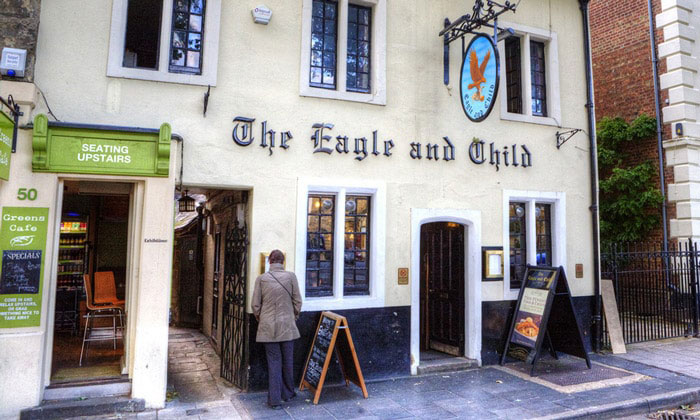 Паб The Eagle and Child в Оксфорде