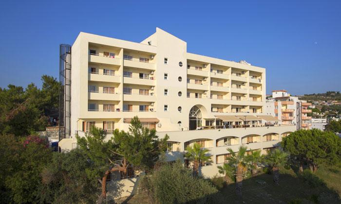 Отель «Tuntas Family Suites» в Кушадасах