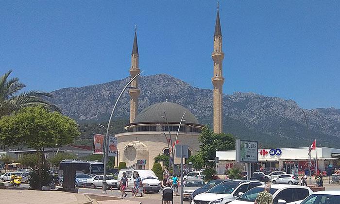 Мечеть Хузур Джами в Кемере
