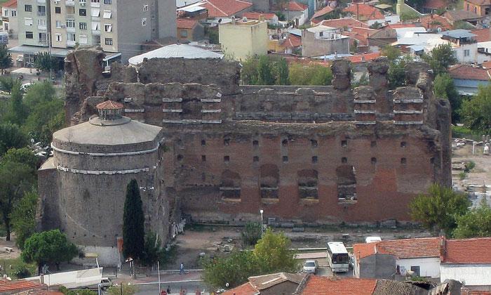 Остатки Красной базилики в Бергаме