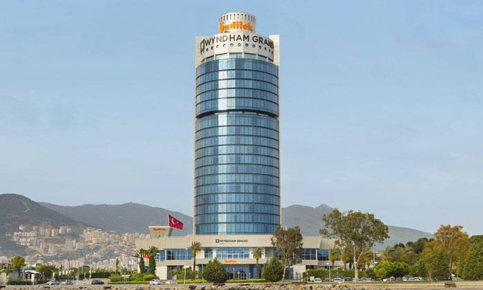 Отель «Wyndham Grand Ozdilek» в Измире