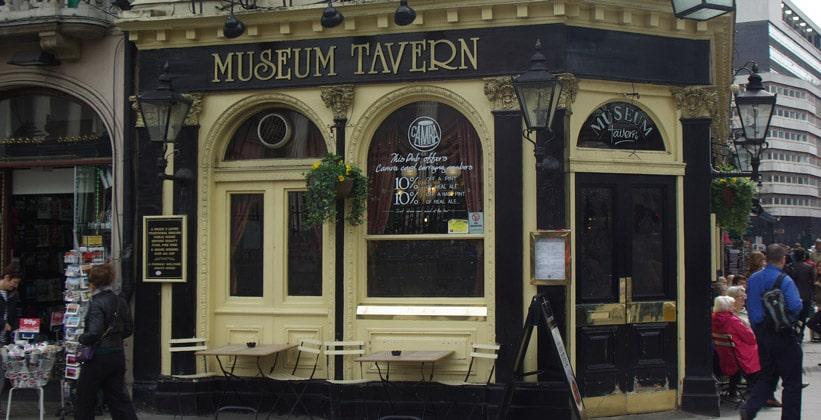 Паб Museum Tavern в Лондоне