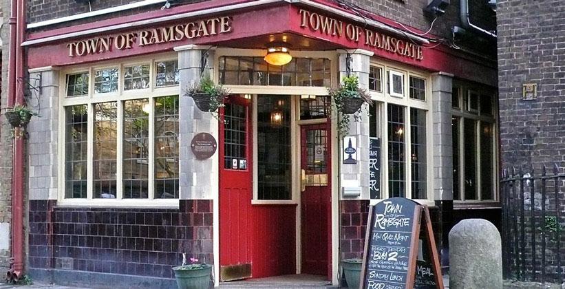 Паб Town of Ramsgate в Лондоне