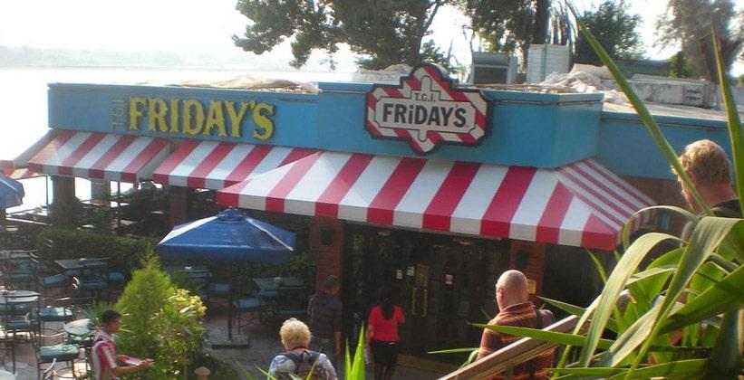 Ресторан Fridays в Каире