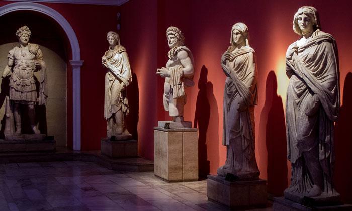 Римские скульптуры музея Анталии