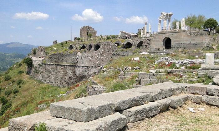 Акрополь древнего Пергама