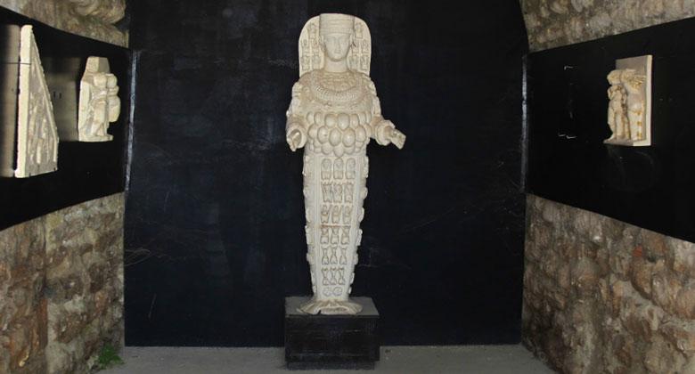 Статуя Артемиды Эфесской