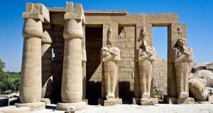 Храм Рамессеум в Египте