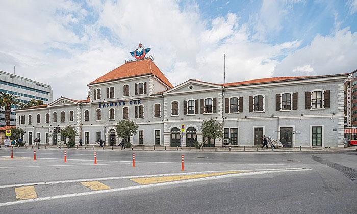 Железнодорожный вокзал Басмане в Измире