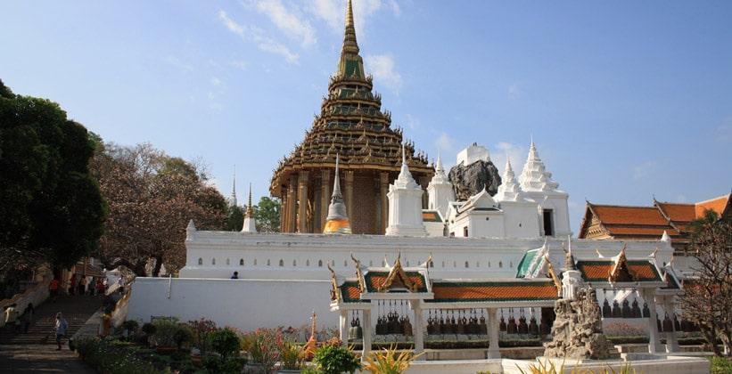 Храм Ват Пхра Пхуттхабат в Таиланде