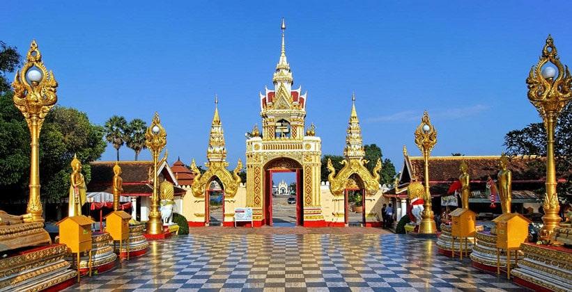 Ват Пхра Ткат Пханом (Северо-восточный Таиланд)