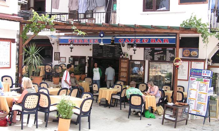 Кафе-бар «Merkez» в Калкане