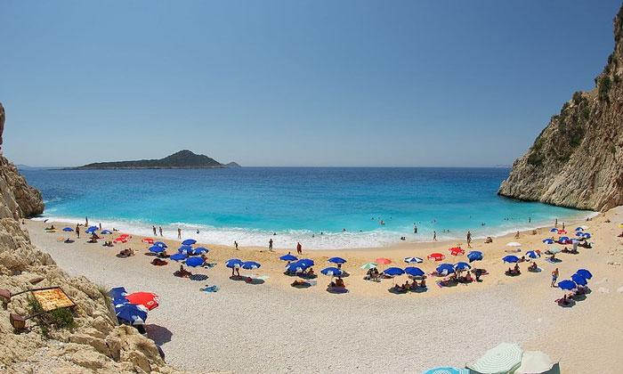 Пляж «Капуташ» в Калкане