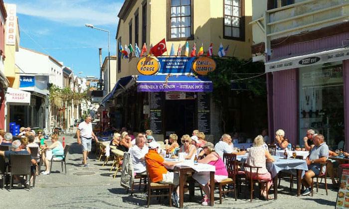 Ресторан «Frıendly Corner» в Чешме