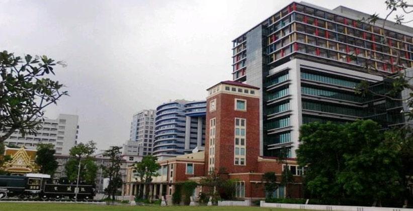 Госпиталь Сирирадж в Бангкоке