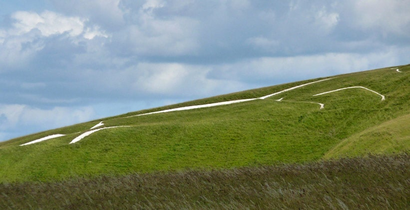 Холм Белой Лошади в Англии