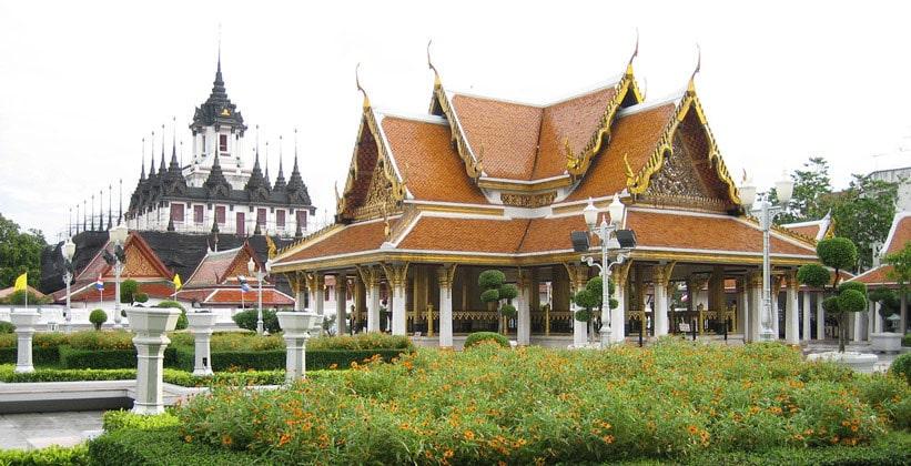 Храм Ват Раджнадда в Бангкоке