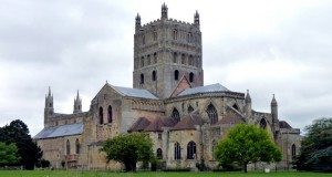 Монастырь Тьюксбери в Англии