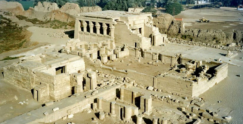 Общий вид храма Хатхор в Дендере