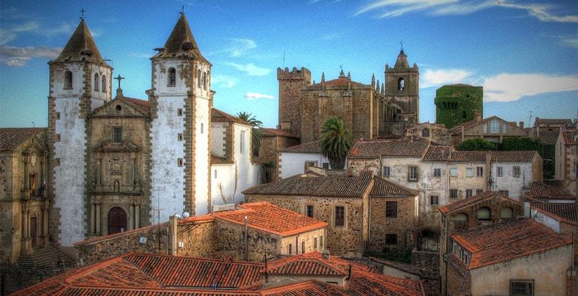 Город Касерес в Испании