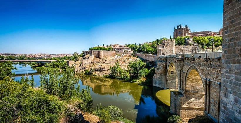 Древний мост Алькантара
