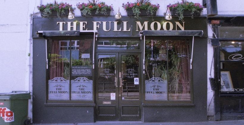 Бар The Full Moon в городе Брайтон