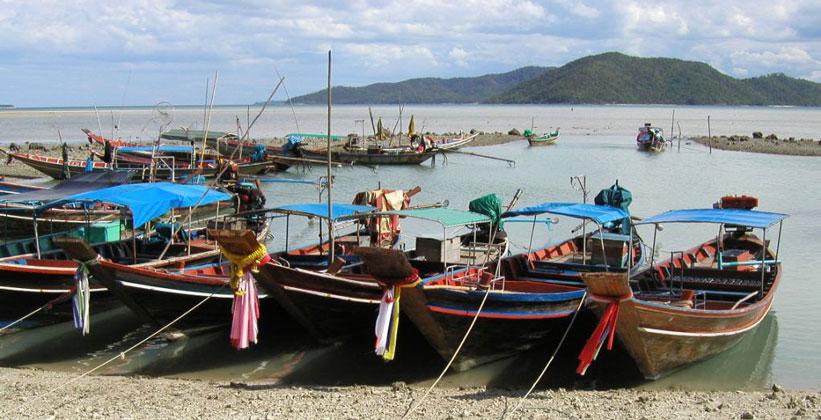 Лодки на острове Ко Самуи в Таиланде