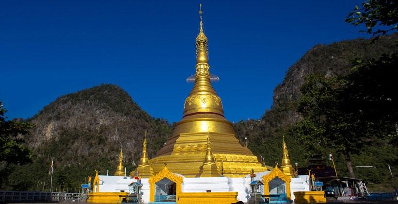 Буддийский храм в Сангклабури