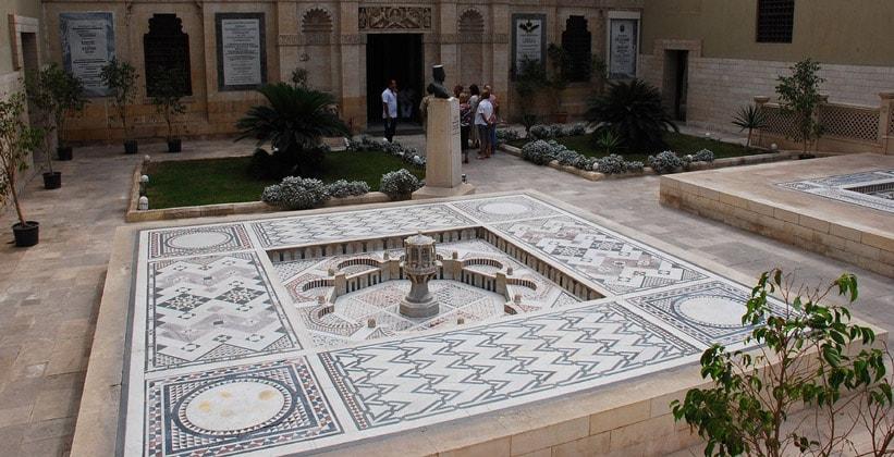 Внутренний двор Коптского музея в Каире
