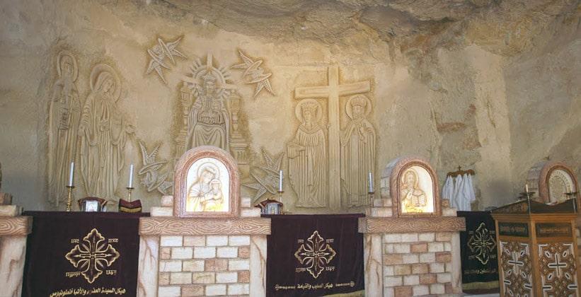 Внутри монастыря Святого Антония